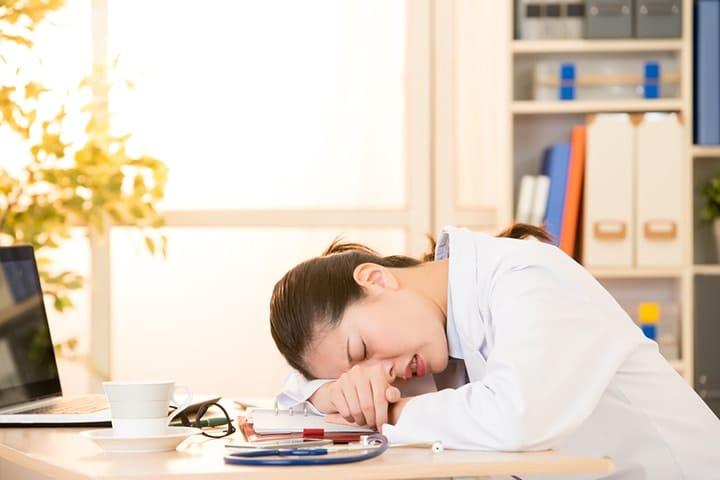 【社労士監修】労働者災害補償保険(労災保険)の休業補償給付とは?制度やメリットを確認!