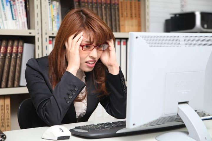 【社労士監修】労働条件通知書とは?雇用契約書(労働契約書)との違い、発行方法を解説!
