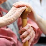 【社労士監修】介護休暇とは?介護休業との違いや内容は?介護休業給付金制度を活用しよう!